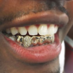 The Plug Jewelry & Gold Teeth Grillz - 85 Photos - Jewelry ...