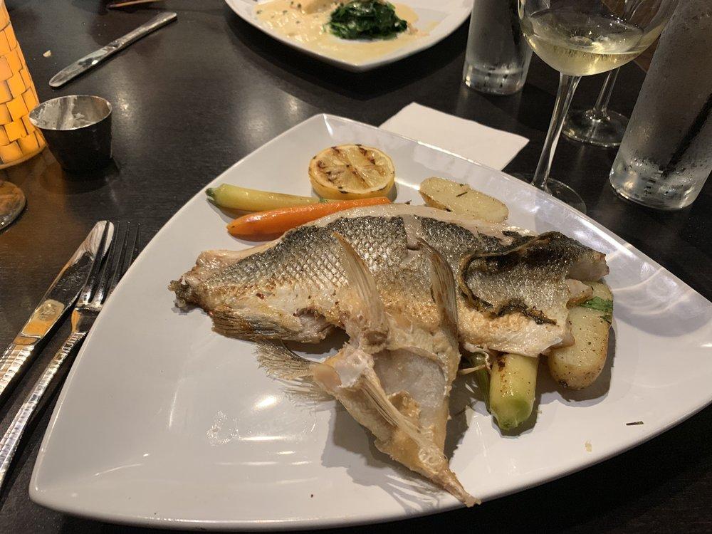 Beachwood Seafood Kitchen & Bar: 4022 Tampa Rd, Oldsmar, FL