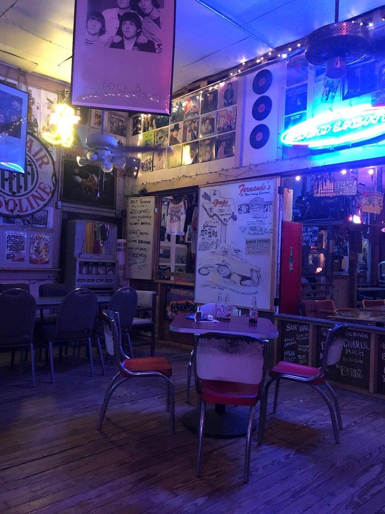 Fernando's Hare Bar & Grill: 20 Fm 1063, Thorndale, TX
