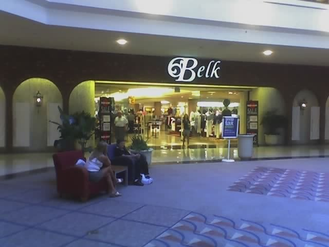 Clothing stores in hanes mall