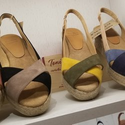 super popular 96f63 2bd20 Toni Pons - 10 foto - Negozi di scarpe - Calle del Arenal ...