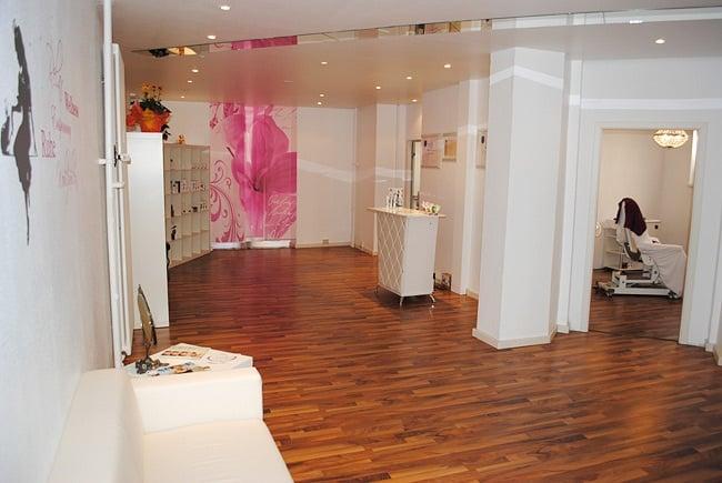 grimms m rchenhafte kosmetik h rfjerning karlstr 102. Black Bedroom Furniture Sets. Home Design Ideas