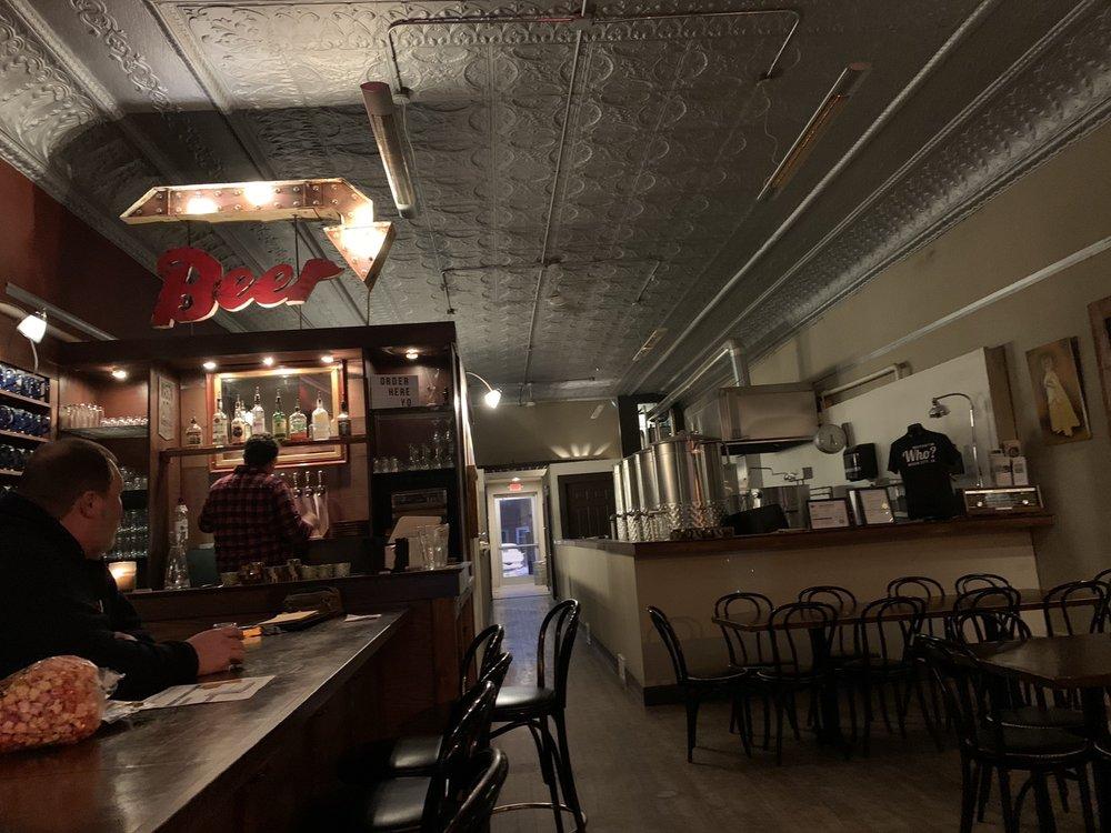 Mason City Brewing: 28 E State St, Mason City, IA