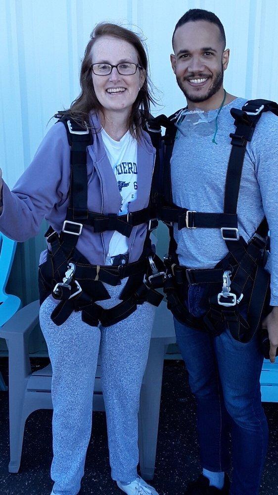 Long Island Skydiving Center: 133 Dawn Dr, Shirley, NY