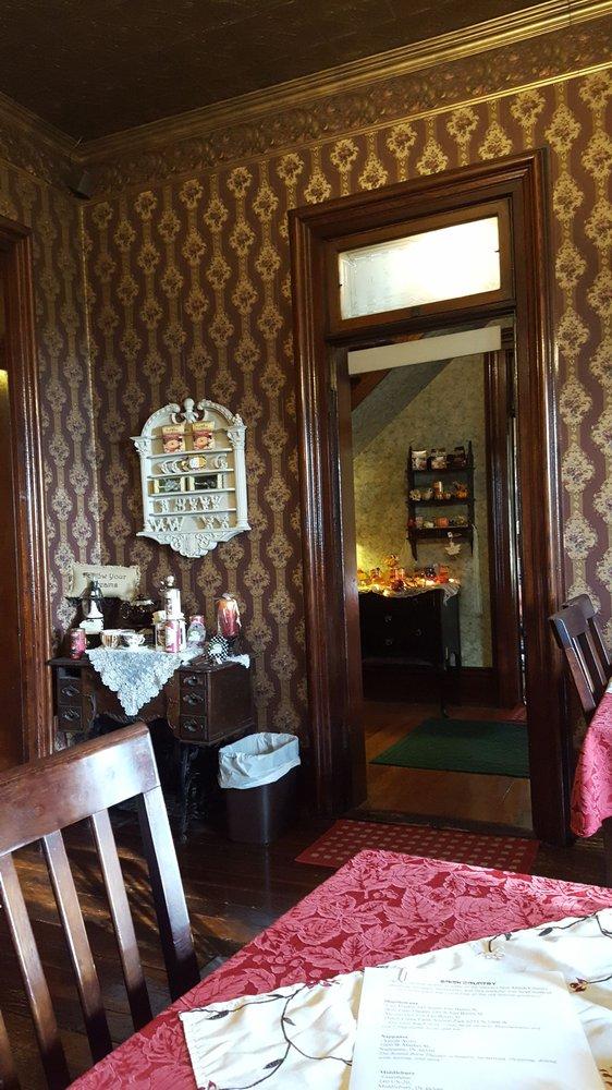 Kimmell House Inn Bed & Breakfast: 1397 N US Highway 33, Kimmell, IN
