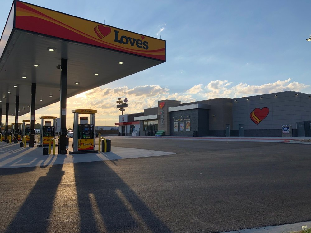 Love's Travel Stop: 482 Tree Farm Rd, New Florence, MO