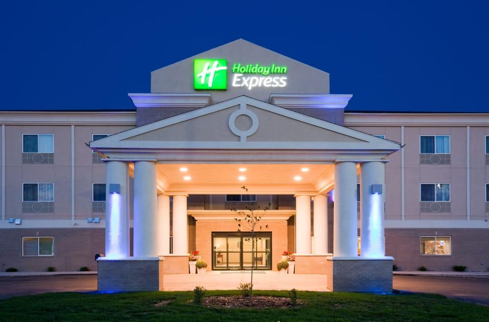 Holiday Inn Express Devils Lake: 875 Hwy 2 E, Devils Lake, ND