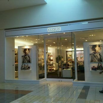 coach store outlet mall 80sn  Photo of Coach