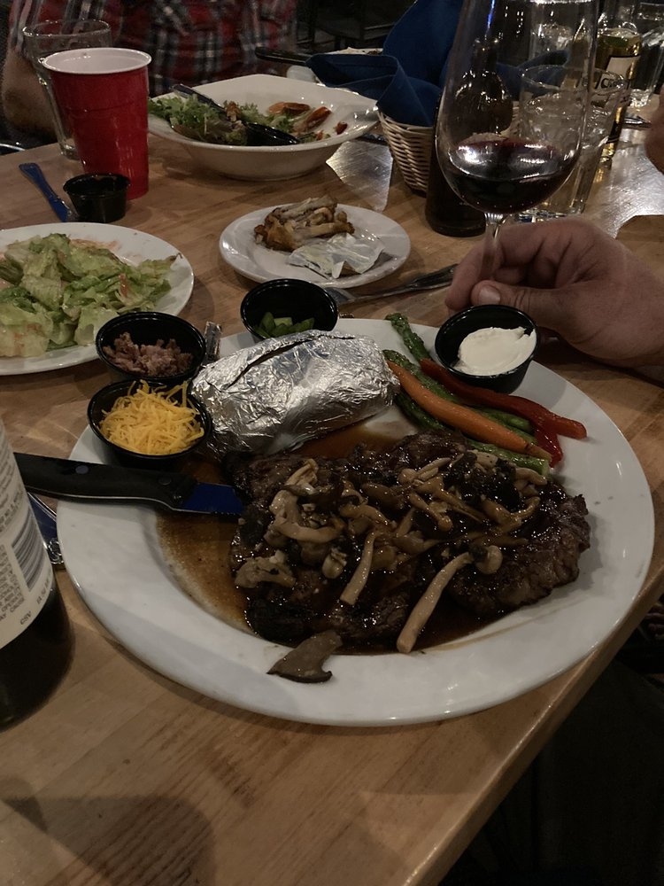 Plumas Pines Bar & Grill: 3000 Almanor Dr W, Canyon Dam, CA