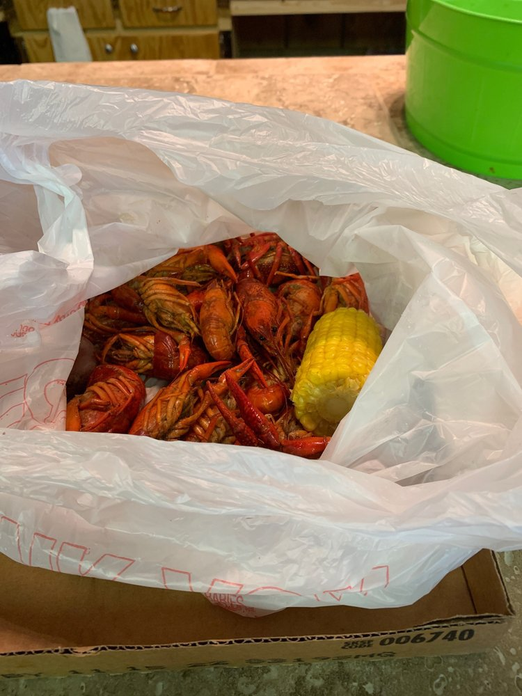 Bama Crawfish: 150 N Hamburg Ave, Butler, AL
