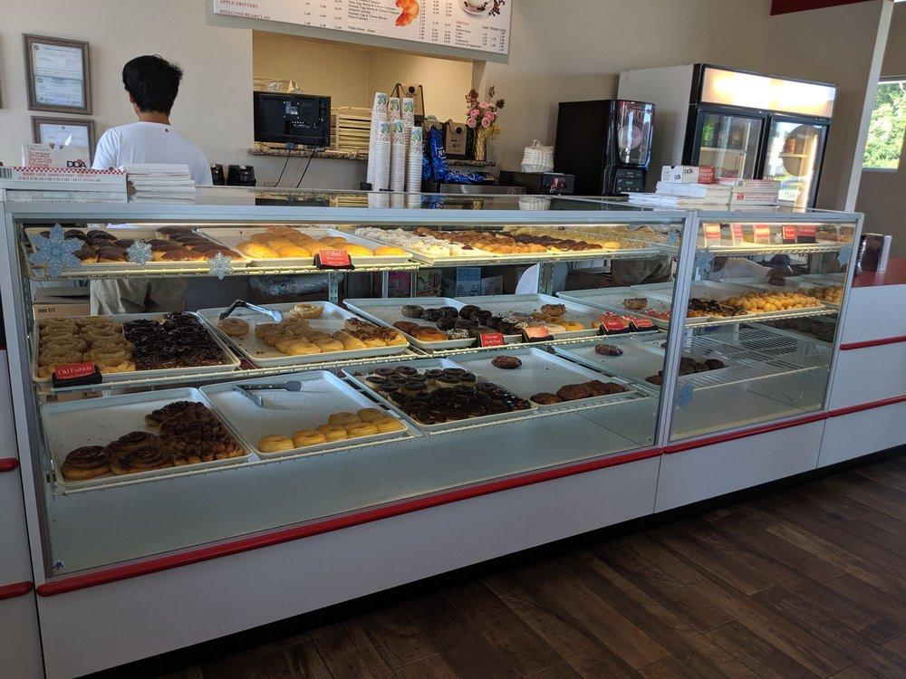 The Donut Palace: 1021 Oak Ridge Turnpike, Oak Ridge, TN