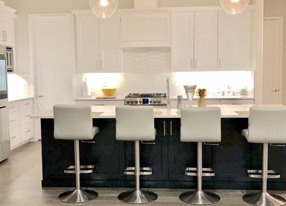 Zuri Furniture: 4880 Alpha Rd, Dallas, TX