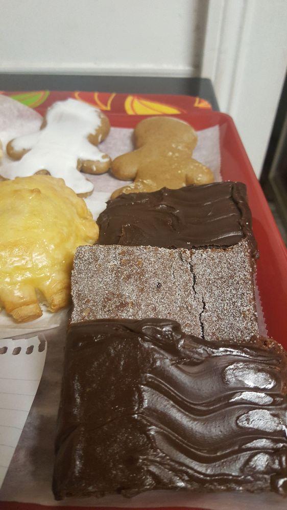 Duet's Bakery: 18134 W Main St, Galliano, LA