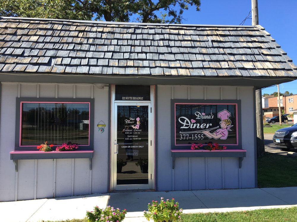 Diana's Diner: 522 S Broadway Ave, Albert Lea, MN