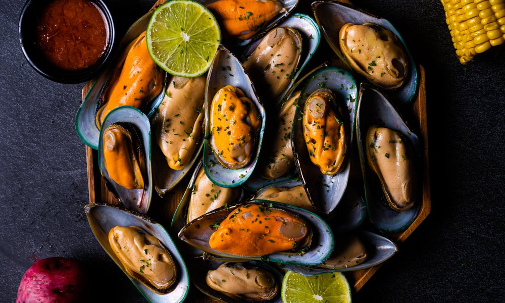 Crab Tales Seafood Restaurant - West Palm Beach: 1540 Palm Beach Lakes Blvd, West Palm Beach, FL