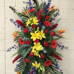Photo of Bonita Flowers & Gifts - Mcallen, TX, United States. Large Tropical
