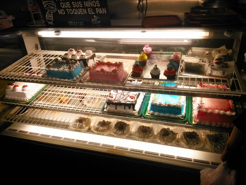 La Luna Bakery: 331 E 9th St, San Bernardino, CA