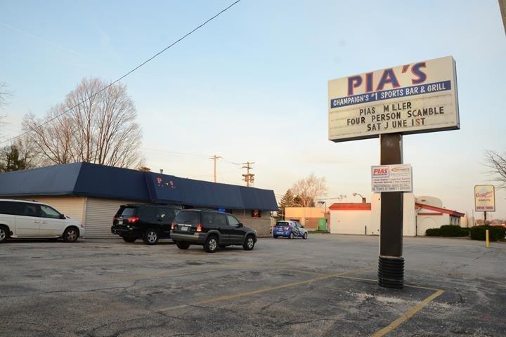 Pia's Sports Bar & Grill: 1609 W Springfield Ave, Champaign, IL