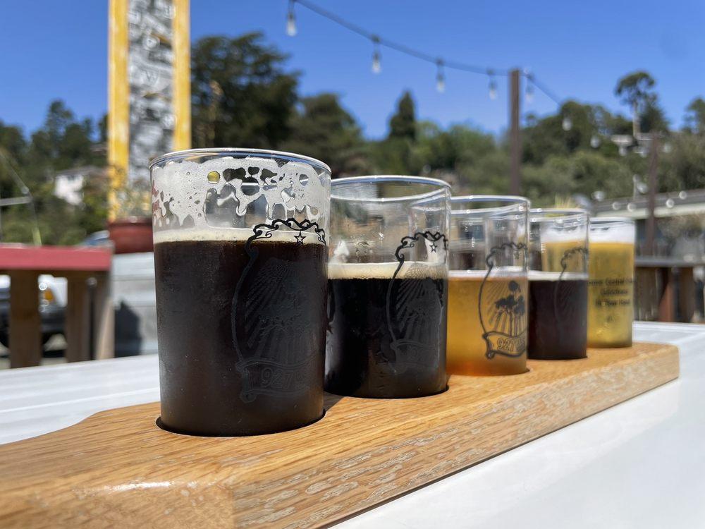 927 Beer Company: 821 Cornwall St, Cambria, CA