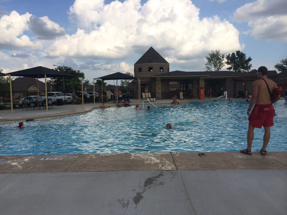 Castlegate ii aquatic center swimming pools college - Swimming pools in college station tx ...