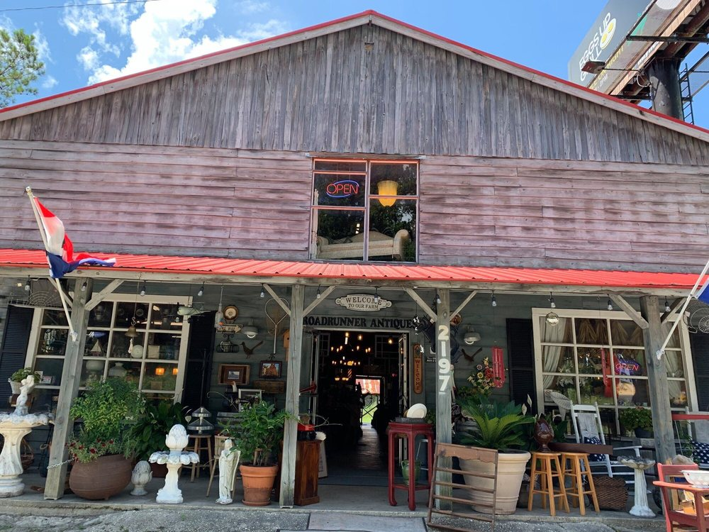 RoadRunner Antiques: 2197 Church St, Conway, SC