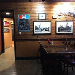 Trader Jacks Riverside Grille 28 Photos 40 Reviews Burgers