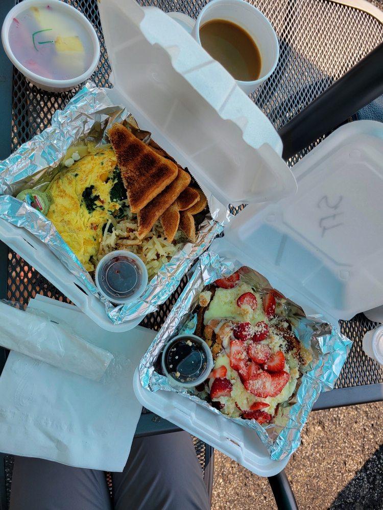 Lou Lou's Café at Spare-Time: 7807 Alexandria Pike, Alexandria, KY