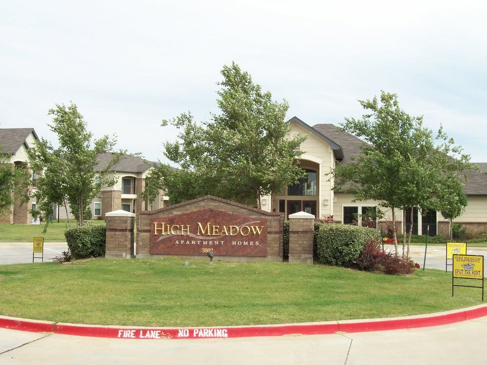 High Meadow Apartments: 3802 West University Blvd, Durant, OK