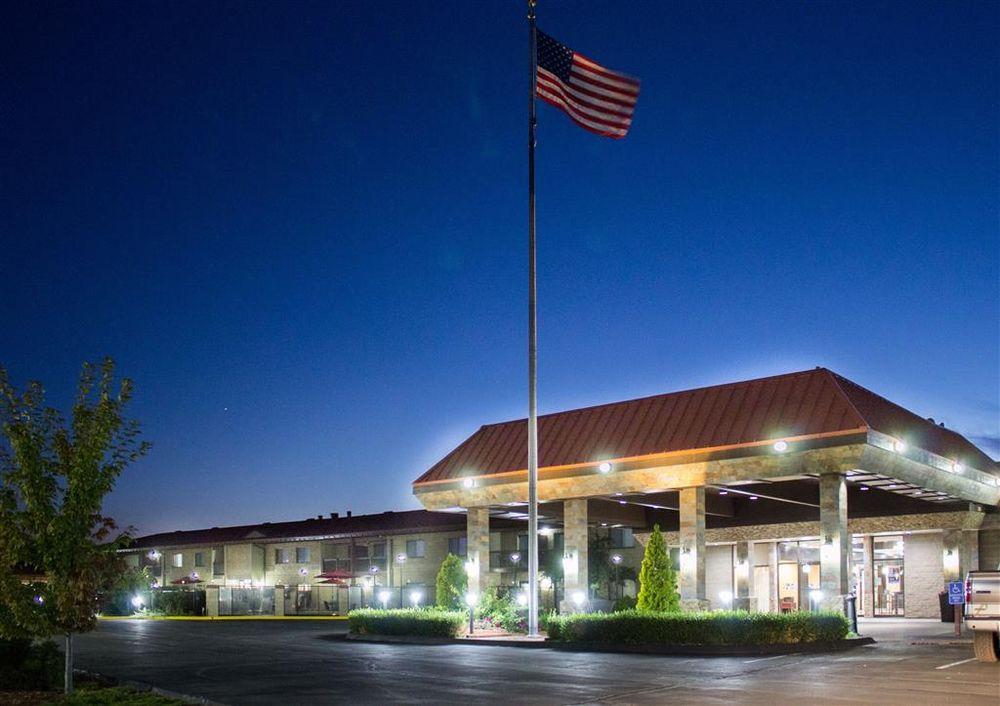 Best Western Plus Lake Front Hotel: 3000 Marina Dr, Moses Lake, WA