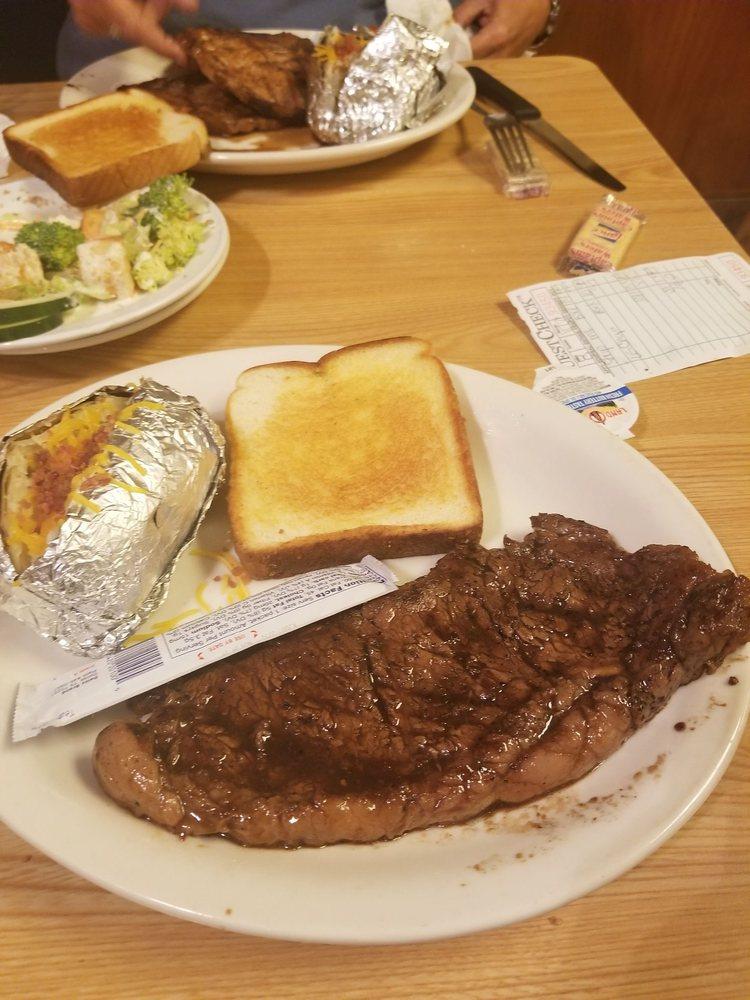 Mel's Family Steakhouse: 13130 Al Hwy 157, Moulton, AL