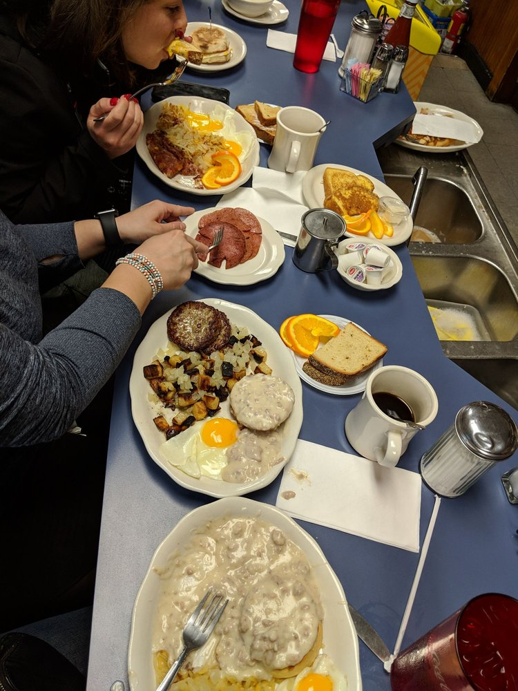 Lucille's Country Cooking: 1496 Rte 539, Barnegat, NJ