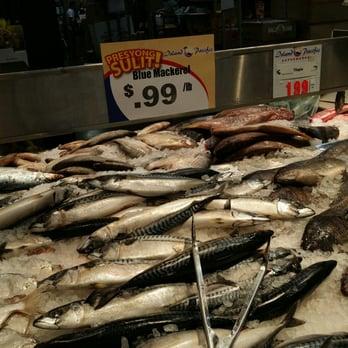 Island pacific seafood market 215 photos 73 reviews for Fish market las vegas