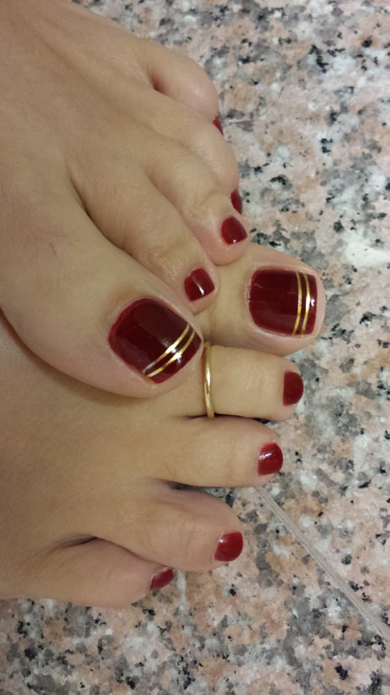 how to clean foot nails