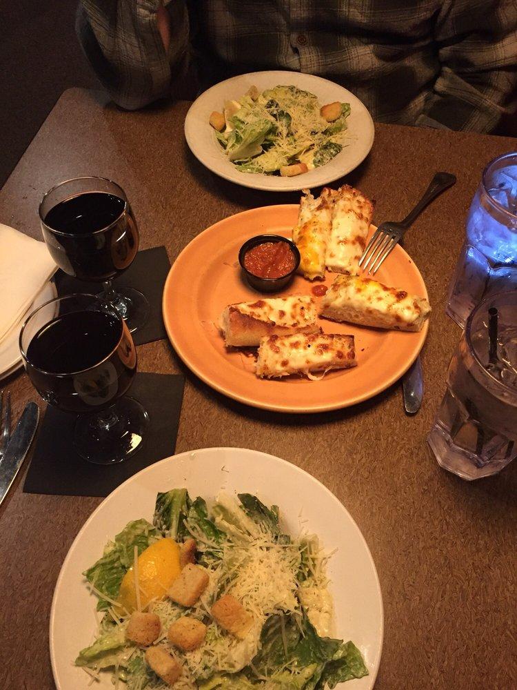 Amici Italian Eatery: 9807 224th St E, Graham, WA