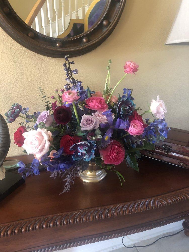 Casa De Flores: 4319 South Front St, Brookshire, TX