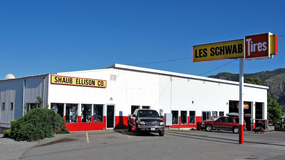 Les Schwab Tire Center: 510 Bridge St N, Brewster, WA