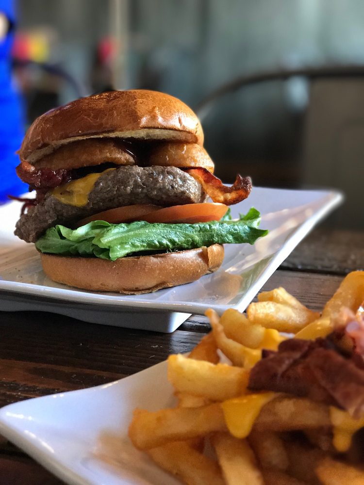 Anny's Fine Burger: 9862 Mission Gorge Rd, Santee, CA