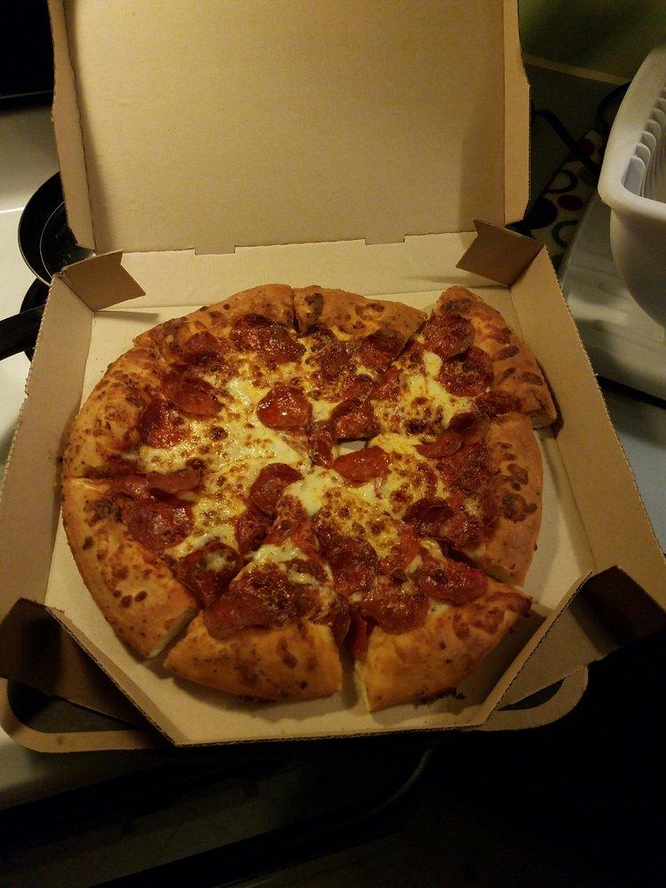 Pizza Hut: 105 Clarion Rd, Altavista, VA