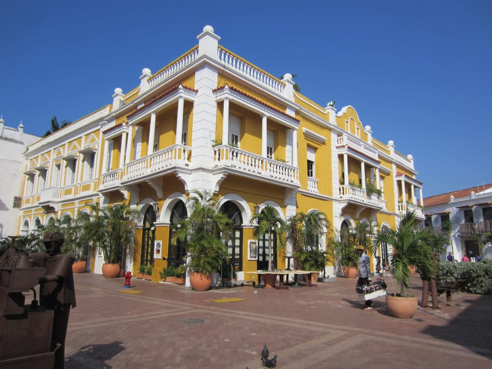 Salty Breeze Cruise Planners: St. Petersburg, FL