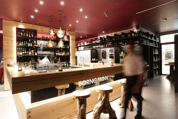 Henks Kuechen.bar - Get Quote - Wine Bars - Heinrich-Büssing-Ring 13 ...