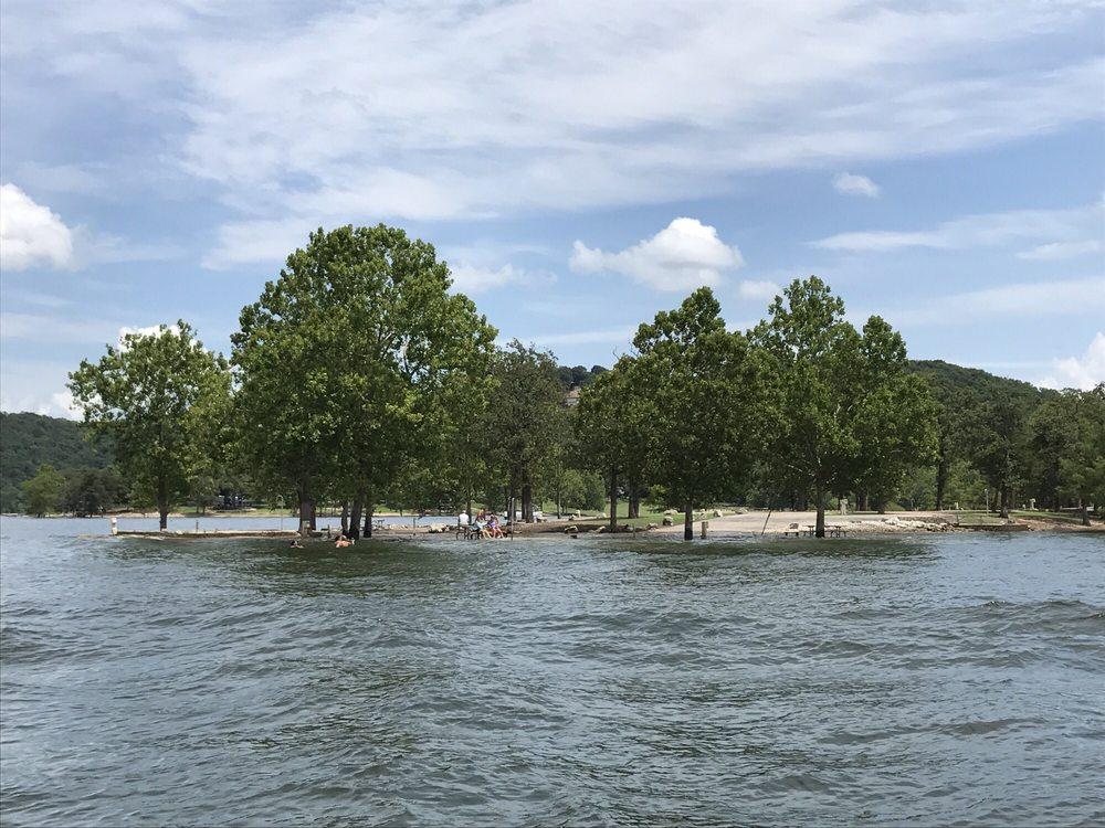 Table Rock Lake: 318 Nautical Cir, Kimberling City, MO