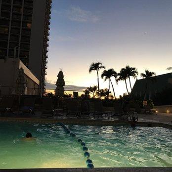 Waikiki Beach Marriott Resort Spa 993 Photos 702 Reviews