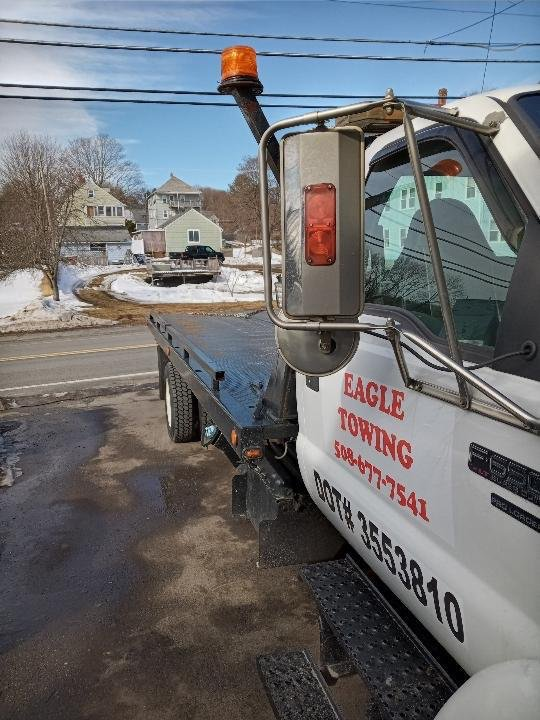 Towing business in Uxbridge, MA