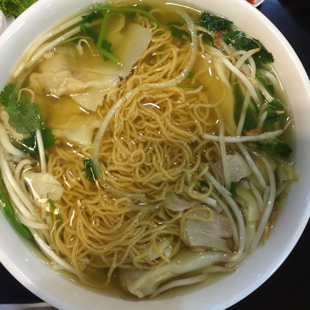 Pho lee hoa phat 77 foto cucina vietnamita fairfield for Cucina vietnamita