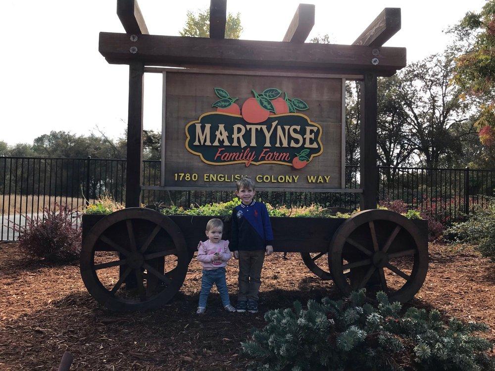 MARTYNSE FAMILY FARM: 1780 English Colony Way, Penryn, CA