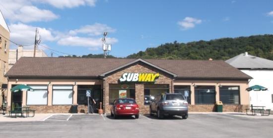 Subway Restaurants: 108 S. Water Street, Kittanning, PA