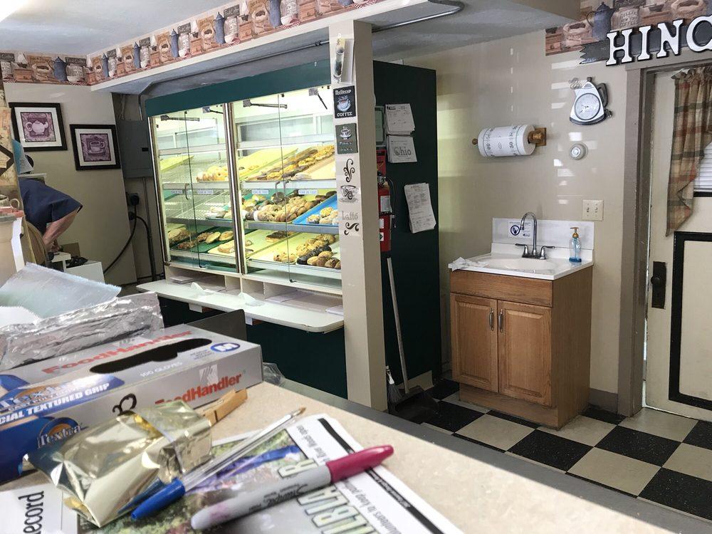 Hinckley Coffee & Donuts: 1388 Ridge Rd, Hinckley, OH