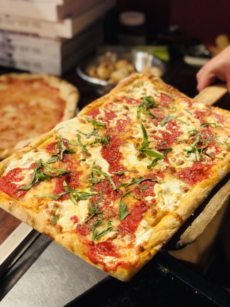 Mama Mia's Pizzeria: 214 Rte 59, Suffern, NY