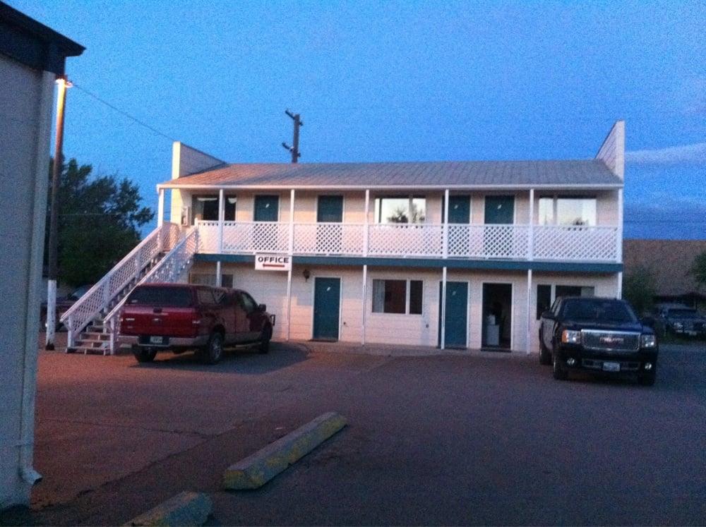 Badger Motel: 12 2nd Ave N, Cascade, MT