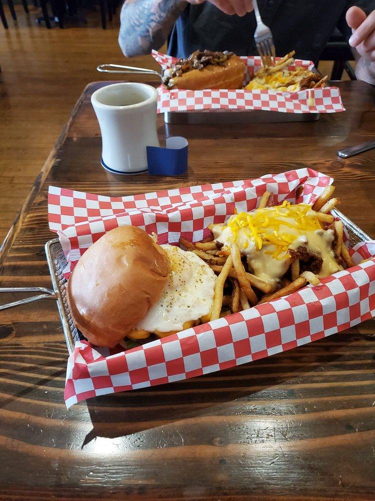 TapHouse Burgers: 24 S Indiana St, Greencastle, IN